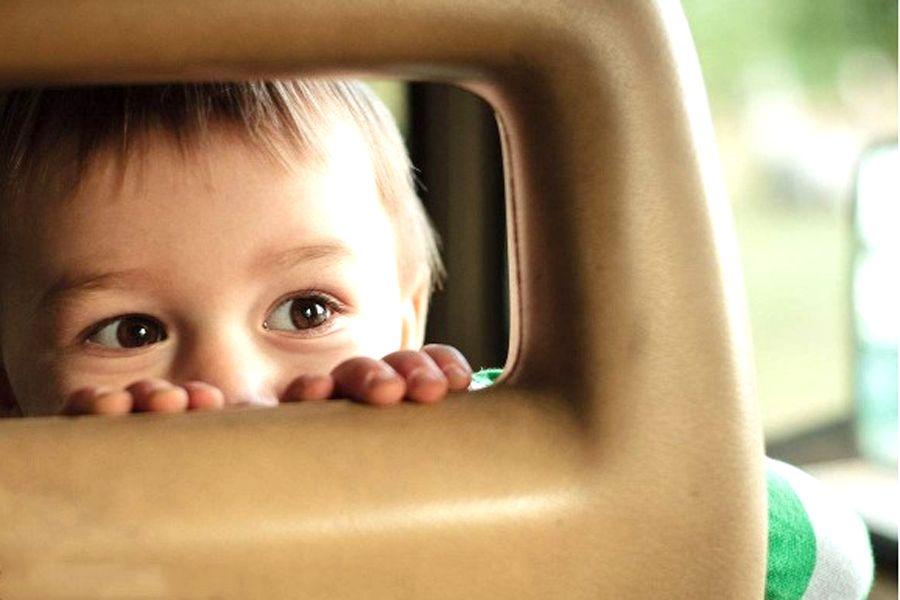 """宝宝几乎都爱玩""""躲猫猫"""",这是为什么?"""