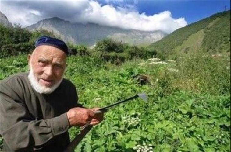 原创 俄罗斯老人自称123岁,或成为世界上最年长的人,分享长寿秘诀