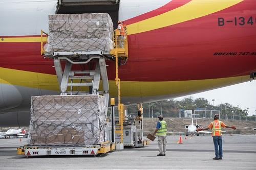 美媒:中国向委内瑞拉送援助物资 约200万套医疗用品