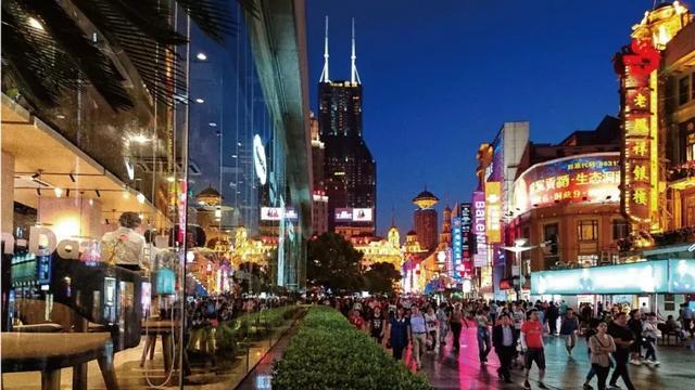 上海 南京东路步行街