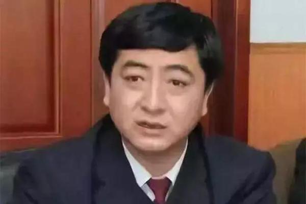 黑龙江一副检察长被查:长期吸毒,还当上了黑社会老大