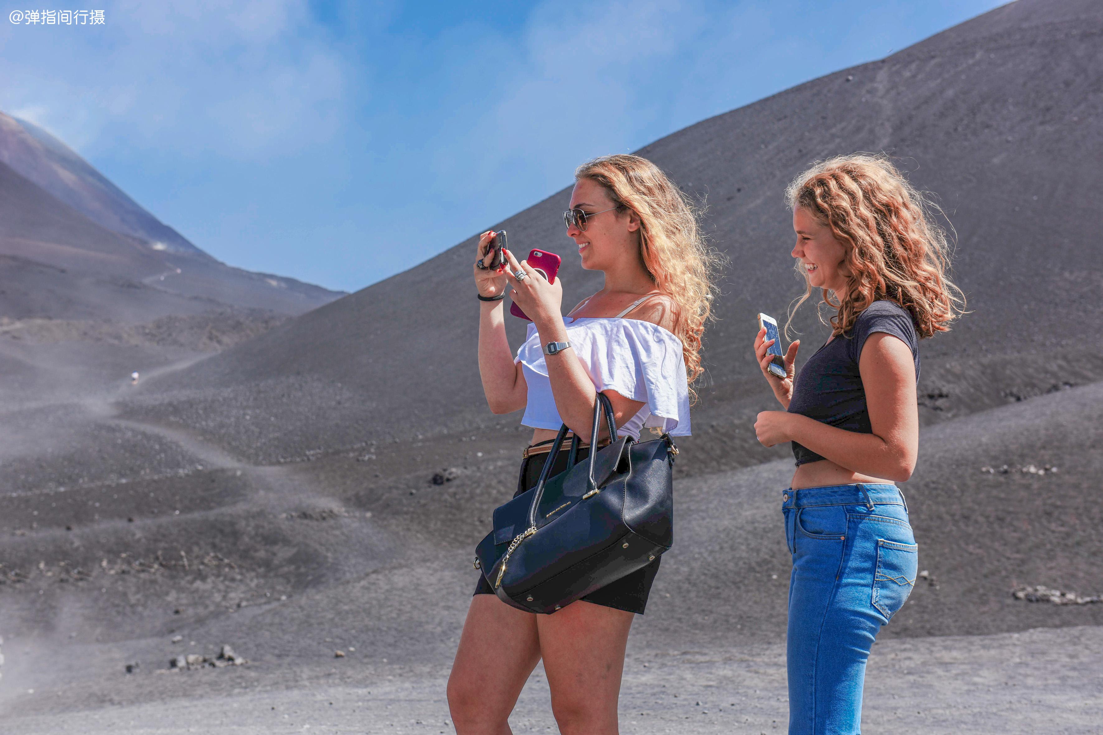 """欧洲最大的火山,喷发数次全球最多,山脚居民有这个预警""""土方"""""""