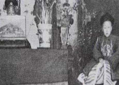罕见老照片 溥仪母亲显真容,六岁溥仪 小皇帝