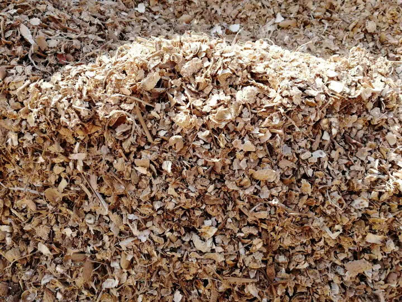 花生壳压块燃料采购注意事项一:闻味道看原料质量