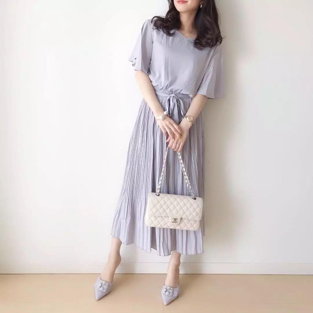 日系穿搭 | 夏季连衣裙这么穿太好看了!