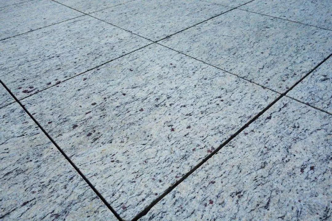 办公楼写字楼地板防滑处理方案
