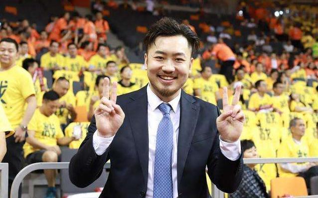 一口气签下三名中国男篮大牌