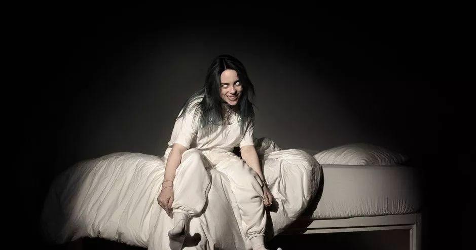 291bd0406b7a416d87e56478b9a65f4f - 超酷女歌手Billie Eilish 第一耳就爱上了她!