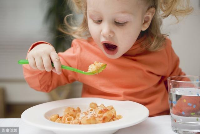 """孩子辅食到底该不该加盐,竟成为婆媳关系紧张的""""导火索"""""""