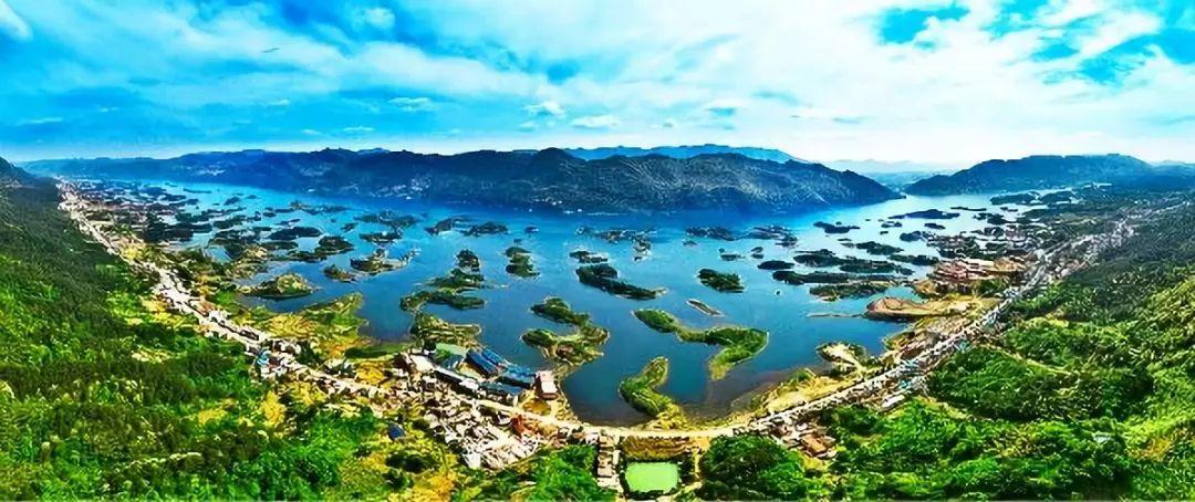 """踏上""""天空之城"""",碧水蓝天下俯瞰仙岛湖星罗棋布的1002个小岛,恍偌置身图片"""