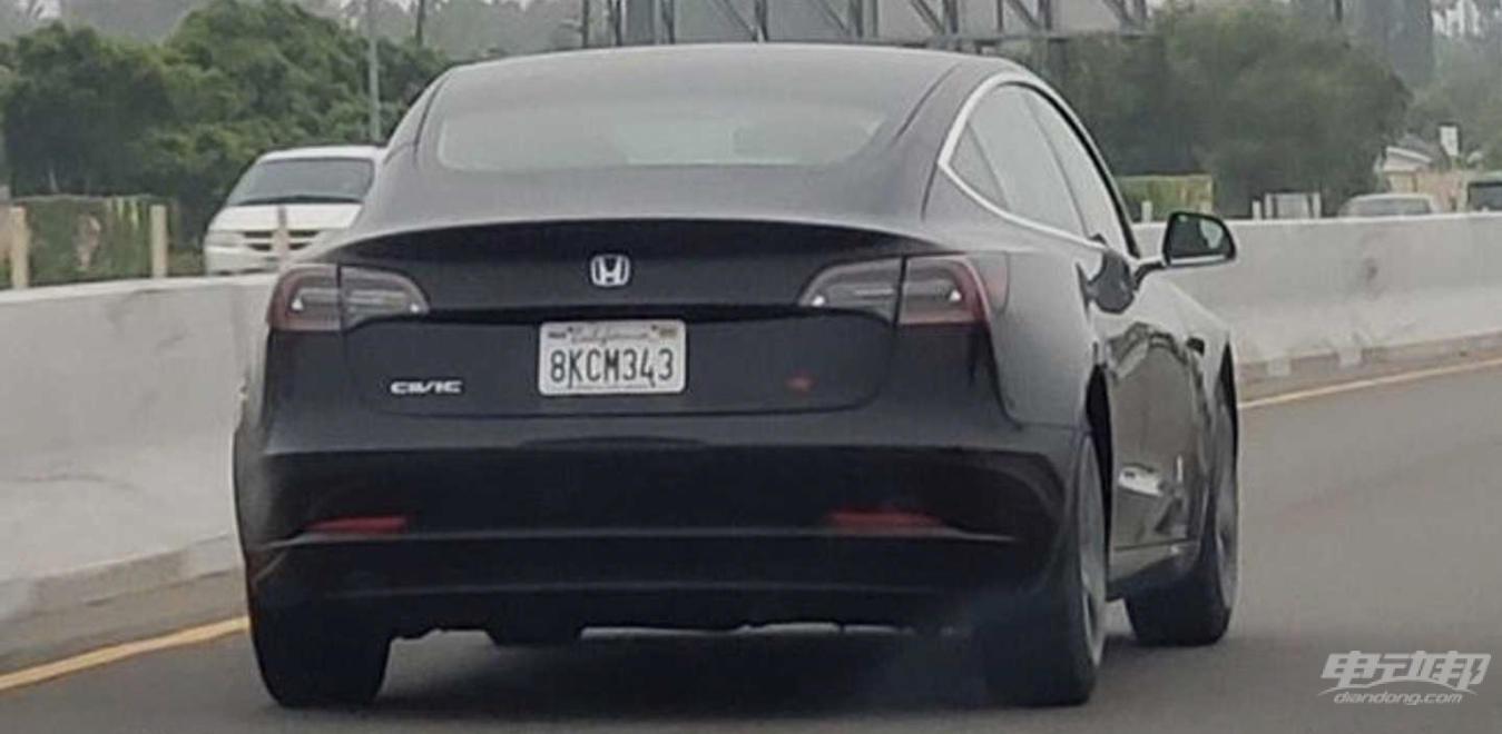 """全新""""思域SI"""" 露面!等等,这好像是一台特斯拉Model 3 ?"""