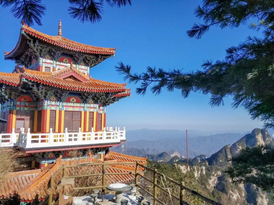 洛阳白云山在5月19日中国旅游日当天,推出免票优惠政策图片