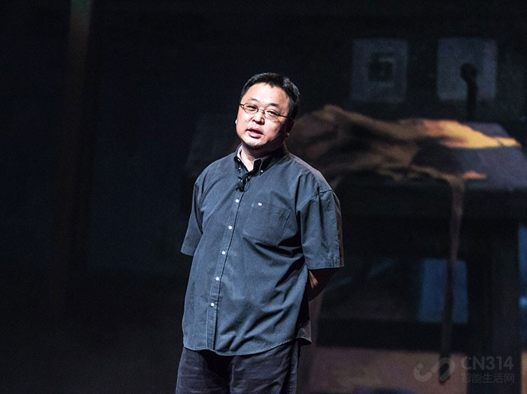 罗永浩称还会做手机,网友:我想多看几场相声