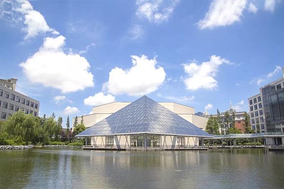 """卢浮宫前有""""贝聿铭的金字塔""""上海也有一座!"""