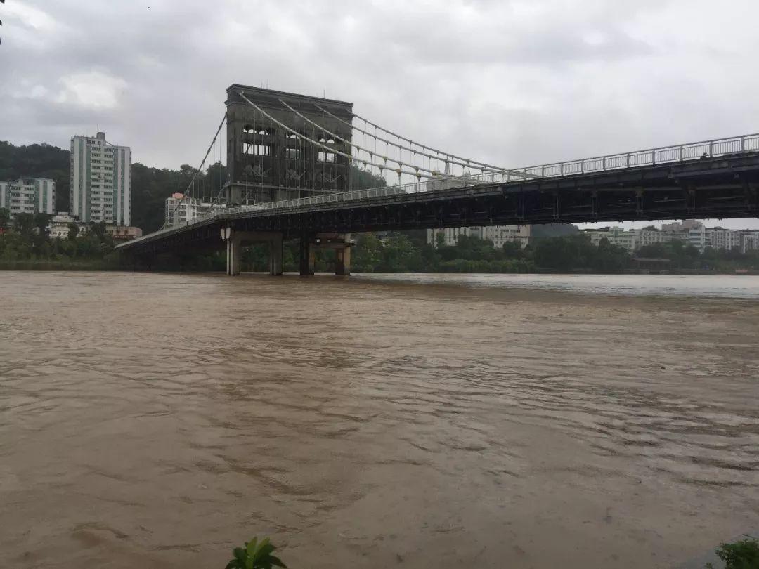 注意安全!下午两点左右洪峰到达沙县!沙县虾千万不要靠近河边!