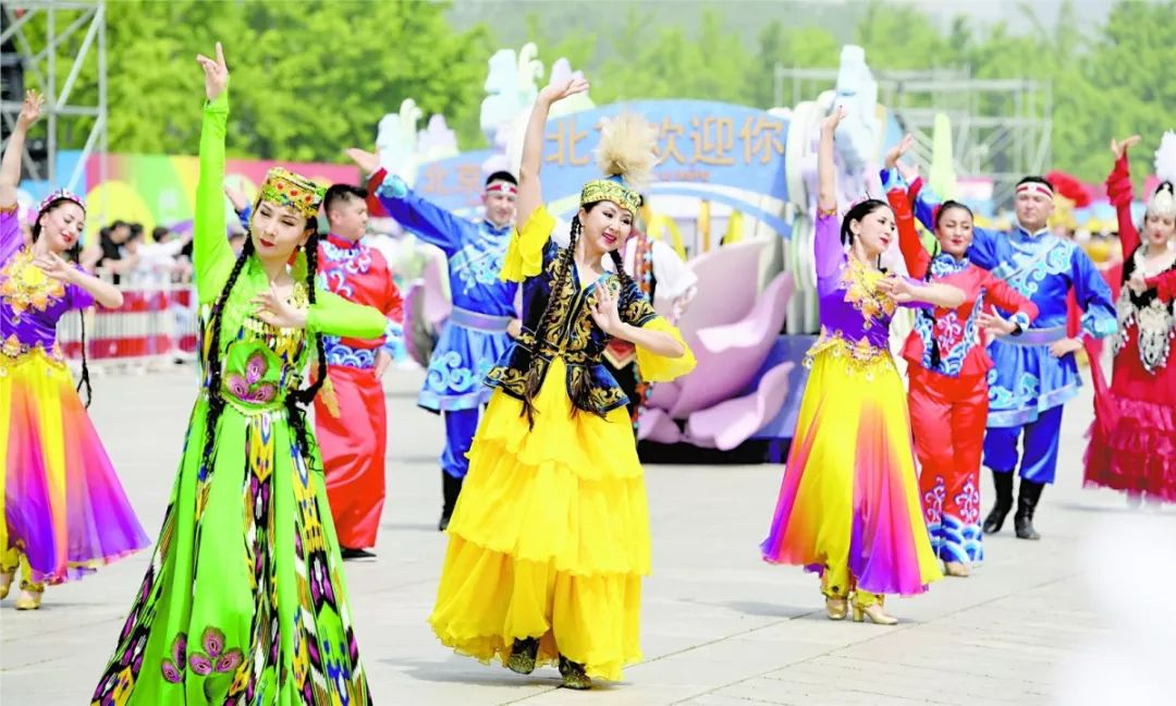 """""""新疆是个好地方""""精彩亮相亚洲文明巡游活动"""