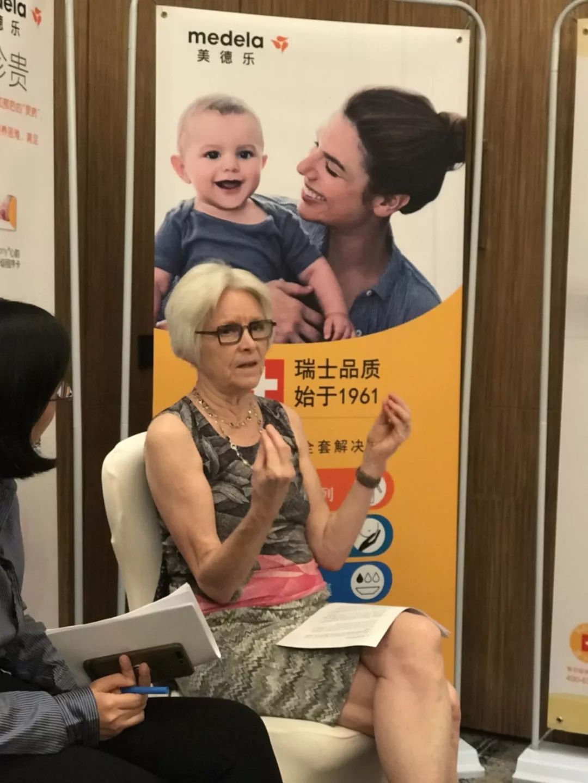 """母乳是孩子的第一支""""疫苗""""!自信地母乳喂养,妈妈要知道这三点!"""