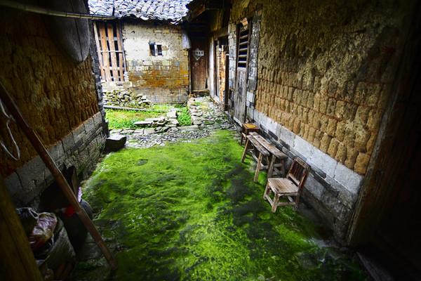 空置很久的老房屋,需要如何做去避免一些麻烦?