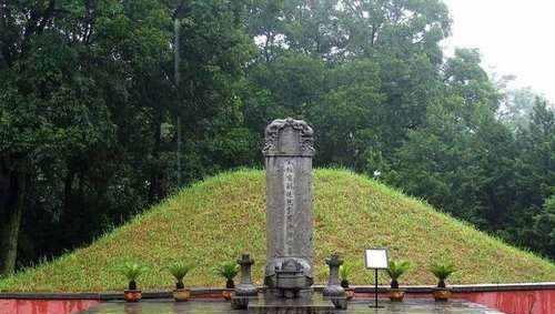 安徽发现被盗古墓,盗墓贼的工具竟成了珍贵文物,墓主身份被揭晓