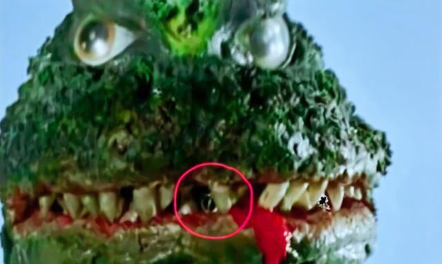 黑历史?初代奥特曼当初全靠抠洞,怪兽用水管顶特效 作者: 来源:萌番动漫