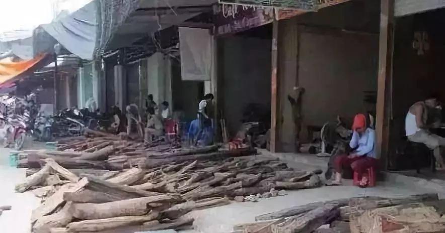 中国红木商人难啊!