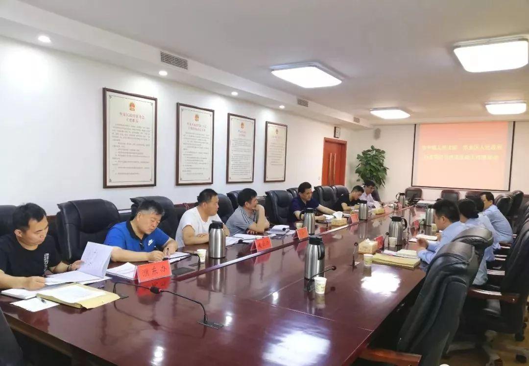 濮阳中院与华龙区政府举行行政司法与执法互动工作座谈会