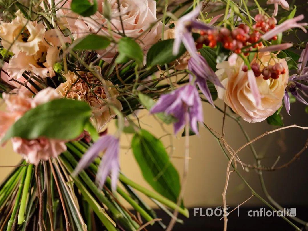 教你一款充满浪漫感觉的自然花束 floos图片