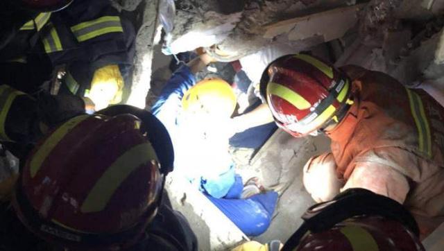 上海改造建筑坍塌现场23名被困人