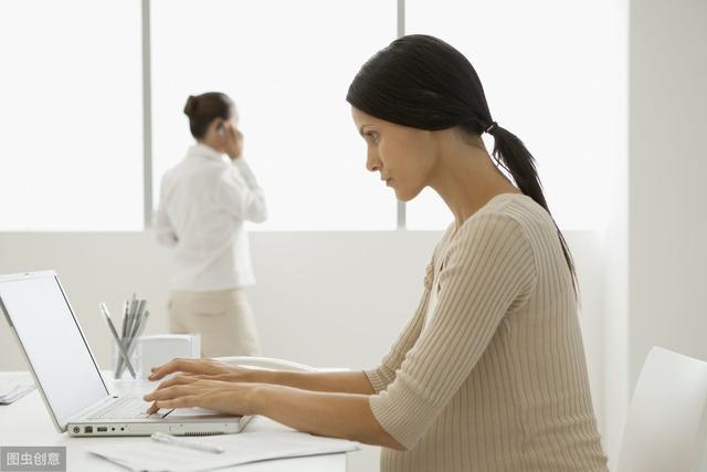 別再羨慕在家養胎的女人了,孕期堅持上班其實有很多好處!