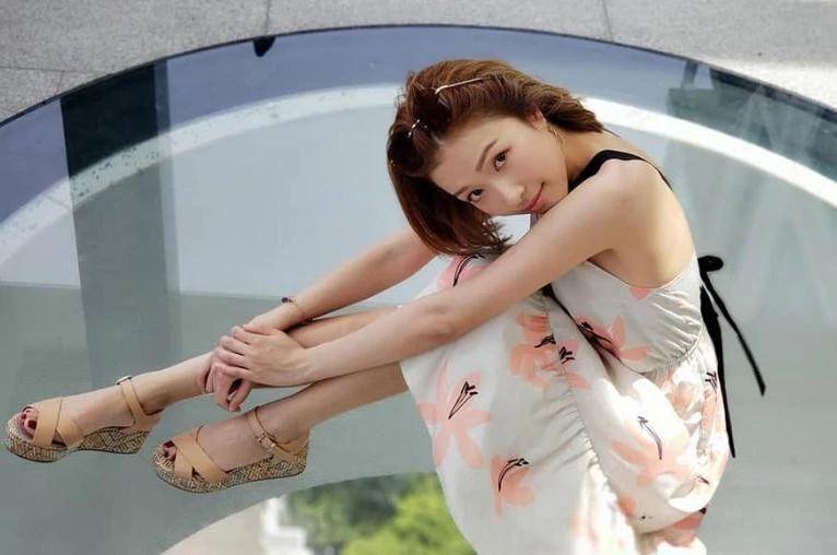 毕滢马蓉都不算什么,看过李泽楷新欢才知道,她才是顶级好嫁风