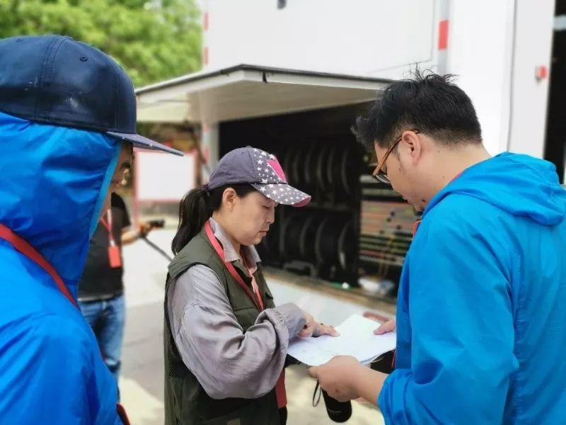 震撼!焦作电视台大型直播车开进汉服动漫节现场