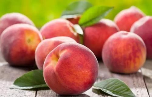 桃子含铁量高,所以经常吃能补血?夏季吃桃子,别犯这几个错误