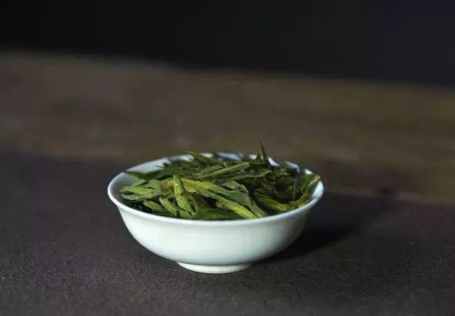 哪种茶含有的茶多酚最多?
