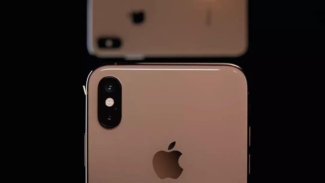 iPhone XI 磨砂后壳设计图来了,变好看了?
