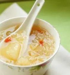 14种银耳汤的做法 银耳汤的功效与作用