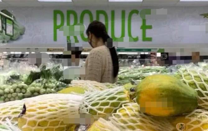 王祖贤超市买菜,头发柔顺,气质柔美,做得一手好菜,落入凡尘_形象 - 搜狐 -ab5b492f84004eaab5ecd35ea6048118
