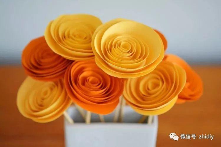 用一张纸就能 DIY 一朵玫瑰花!简易纸艺手工教程合集
