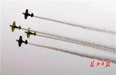 产经 | 卓尔挑战者惊艳亮相飞行者大会,燃爆了天空