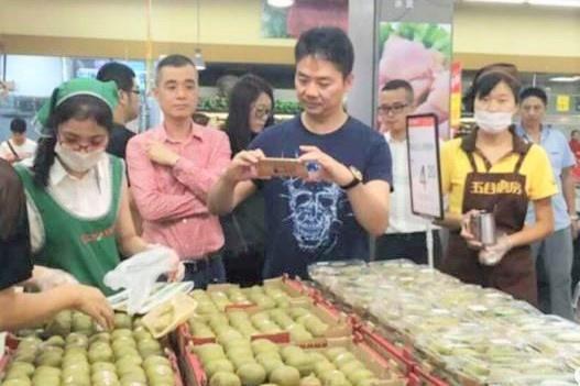 一年扩张135家店,这两兄弟打退沃尔玛,逆袭成为中国超市大王
