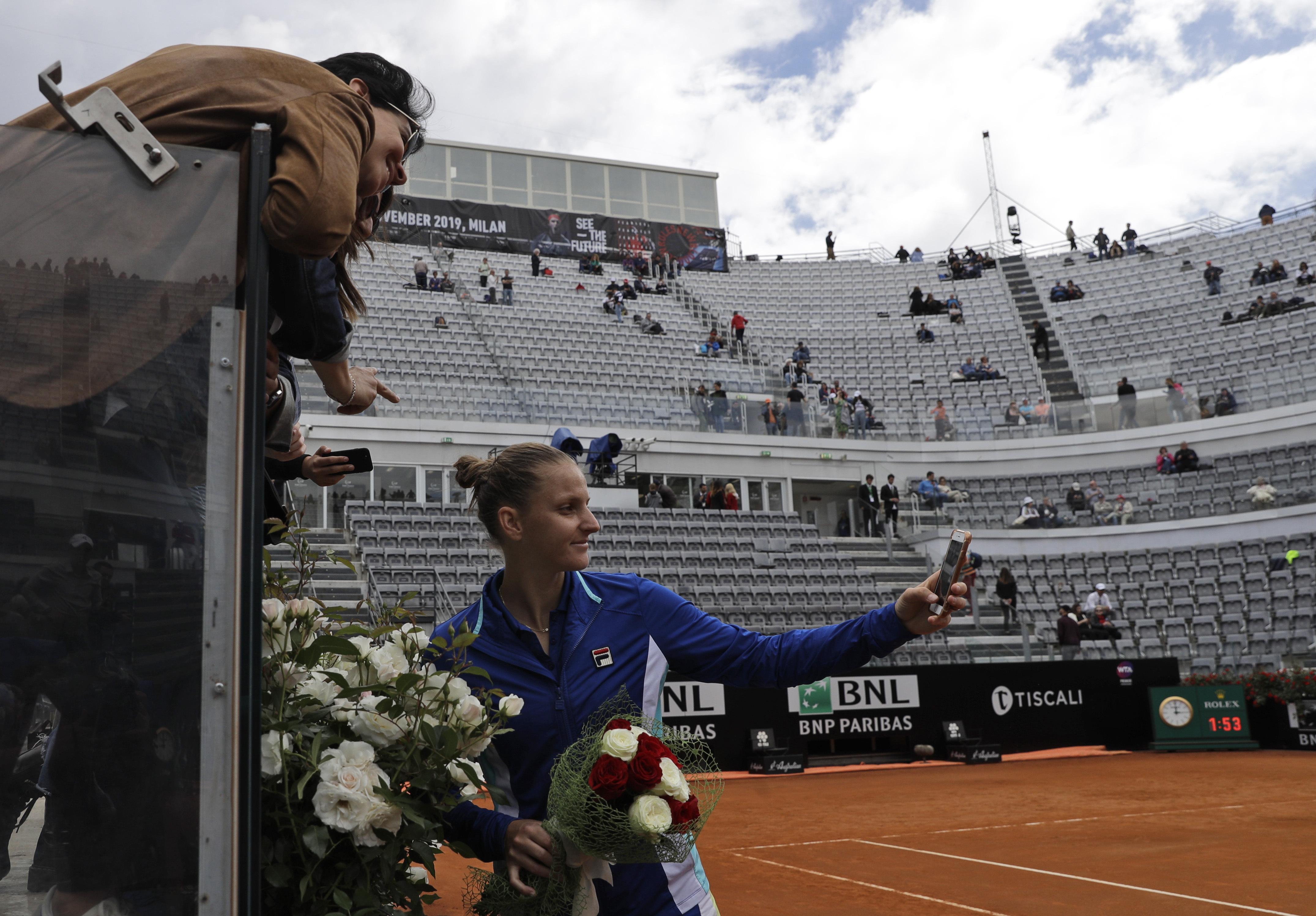 网球——意大利公开赛:卡·普利斯科娃夺得女单冠军