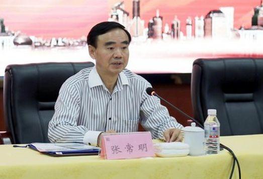 据公开简历,张常明生于1963年5月,曾任湖南省永州市祁阳县县长、县委书记,2014年任永州市副市长、党组成员。