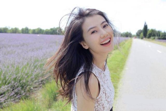高圆圆北京产女 赵又廷感动发博高兴之情溢于言表