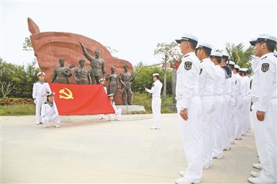 人人碰操屄网_空勤大队一中队教导员刘合钦在实际工作中也碰到过类似的抱怨.