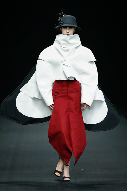 长春大学旅游学院毕业设计展演亮相大学生时装周