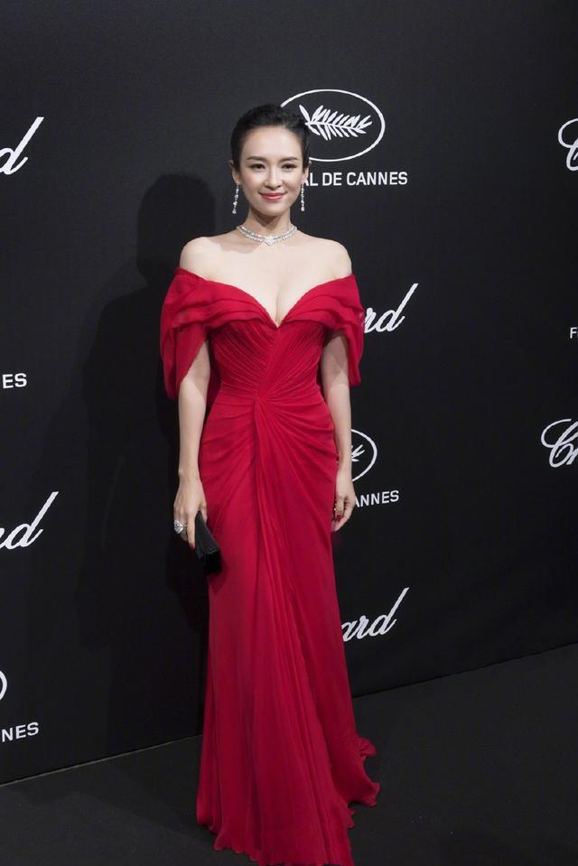 章子怡穿红裙亮相戛纳晚宴,大秀高贵气质,将以教母身份做演讲