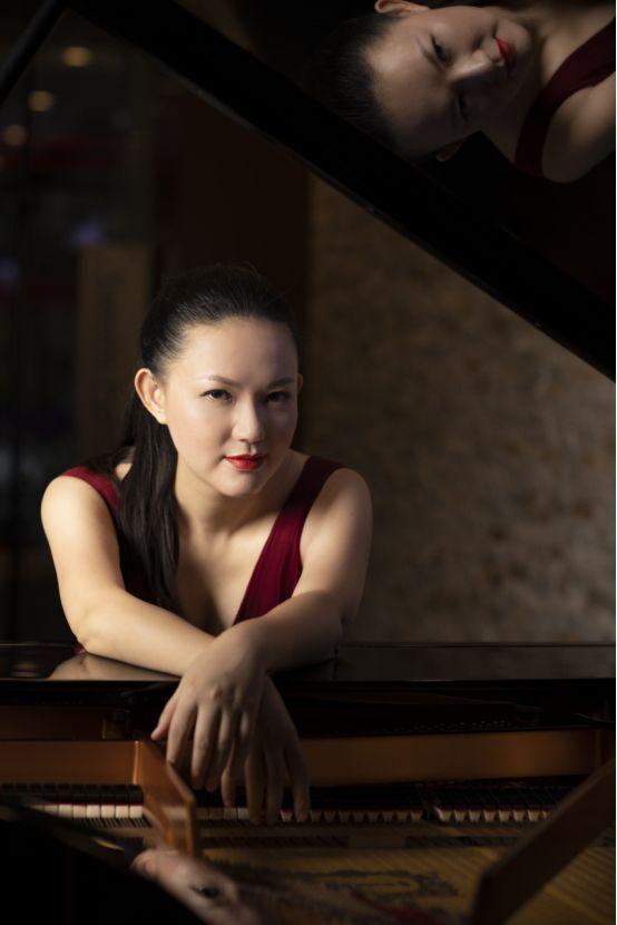 如何看待钢琴音乐教育——钢琴家谢亚双子专访