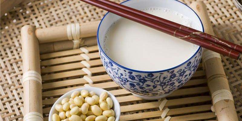 狐狸厨房 | 常喝豆浆可以预防骨质疏松吗?