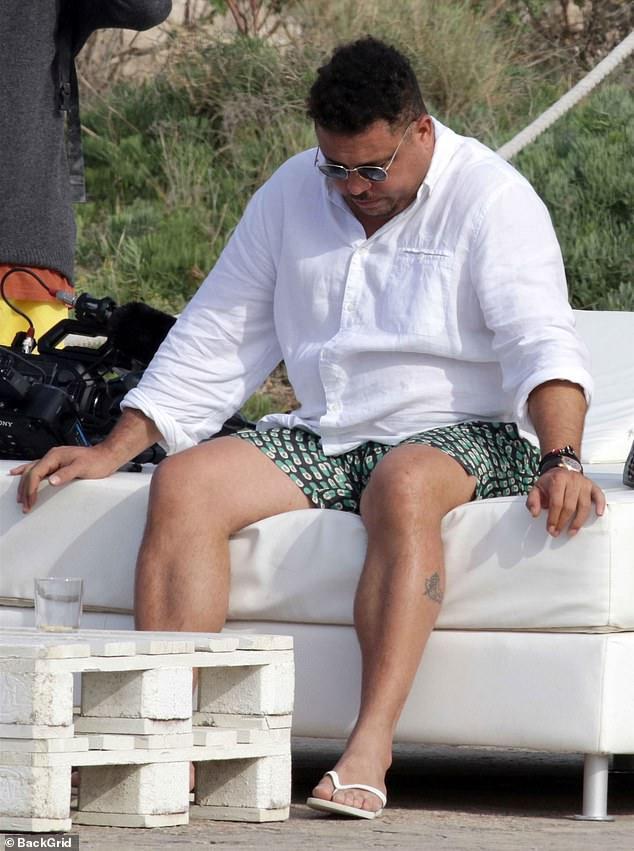 42罗纳尔多与25岁女友西班牙度假 昔日足坛外星人现