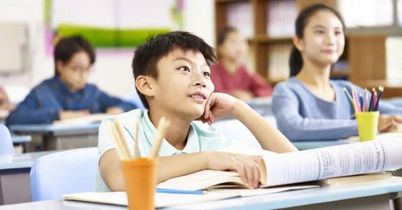 孩子爱烹饪,家长着急他数学只考1分,兴趣与成绩哪个重要?