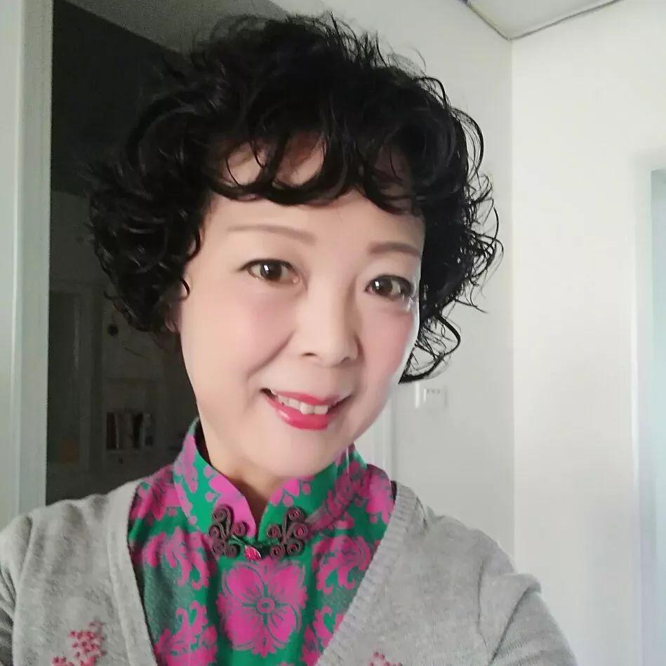 "FM87.7 《经典导读》开封市""至道京剧社""社长 刘红岩"